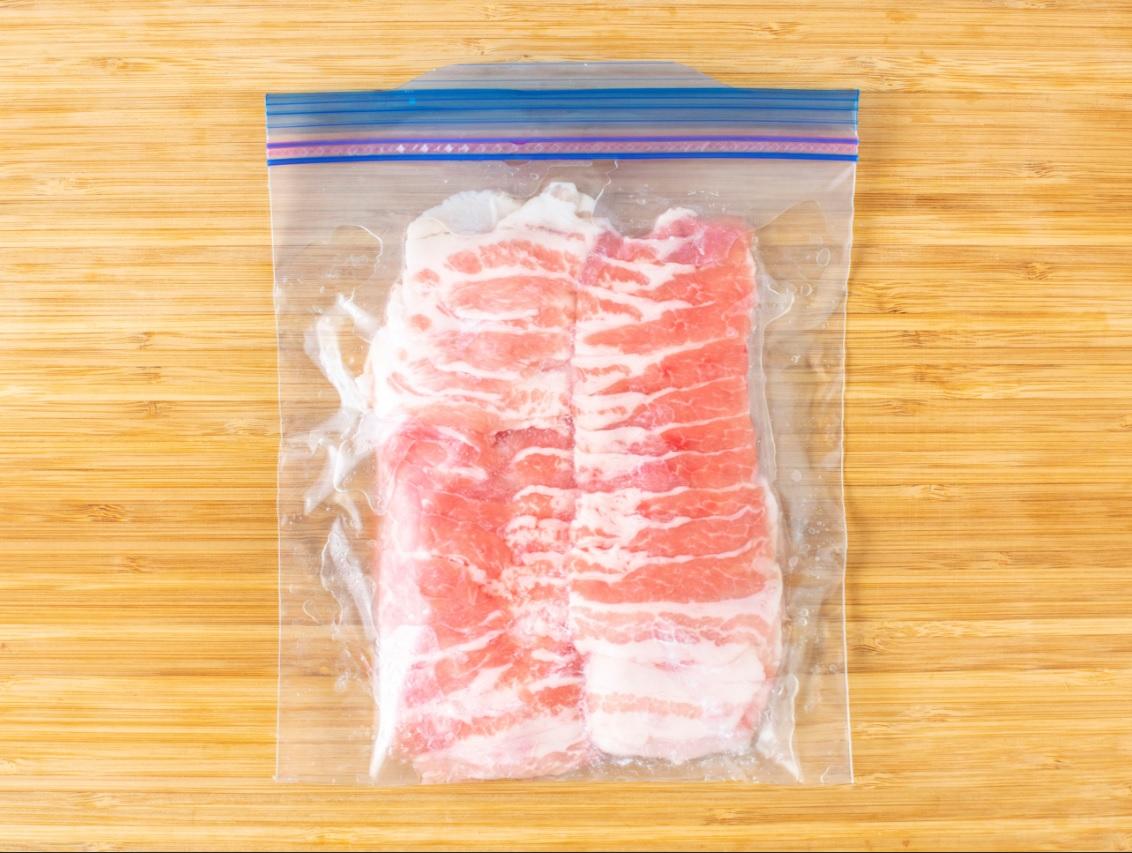 液体塩こうじで豚バラ肉の下味冷凍♪