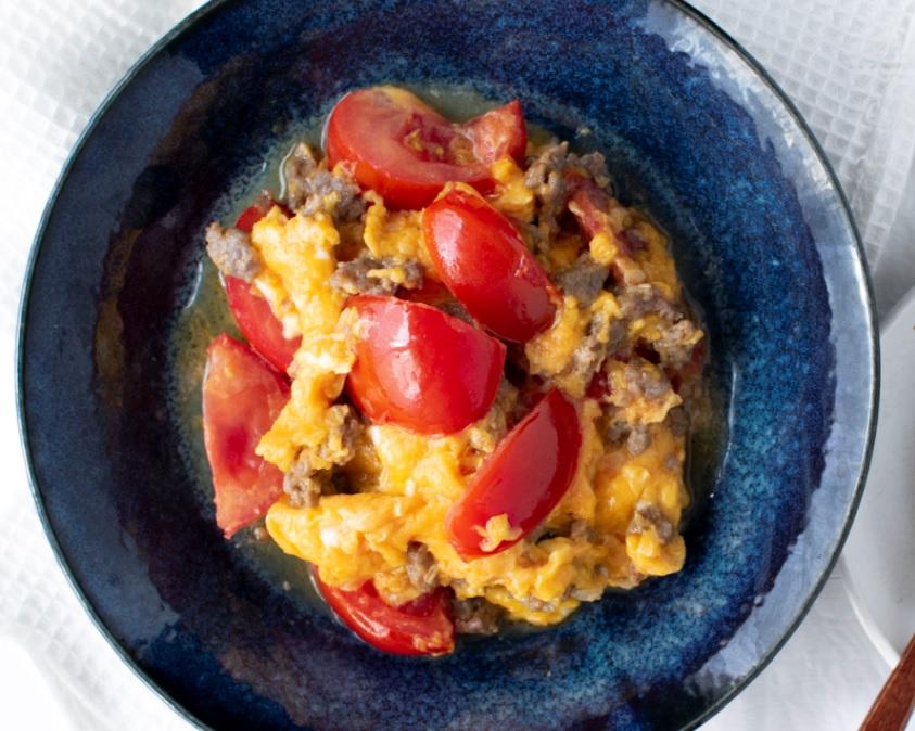液塩でひき肉とトマトのふわふわ卵炒め☀
