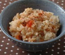 トマトとツナの液体塩こうじ炊き込みご飯
