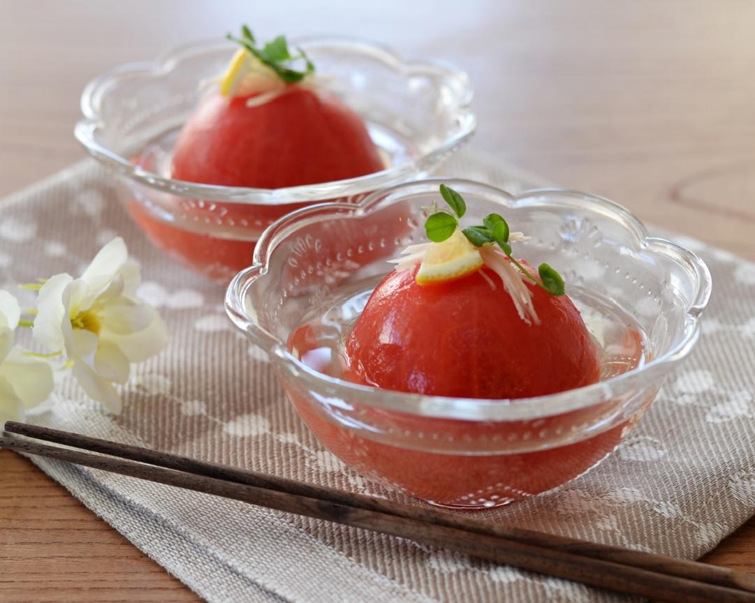 液体塩こうじでトマトの丸ごと漬け☆