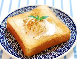 塩こうじでほんのり塩味♪ハニーバタートースト